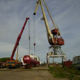 Transshipment at Nizhny Novgorod city port and transportation of autoclaves 33 m length, weight 49 tons